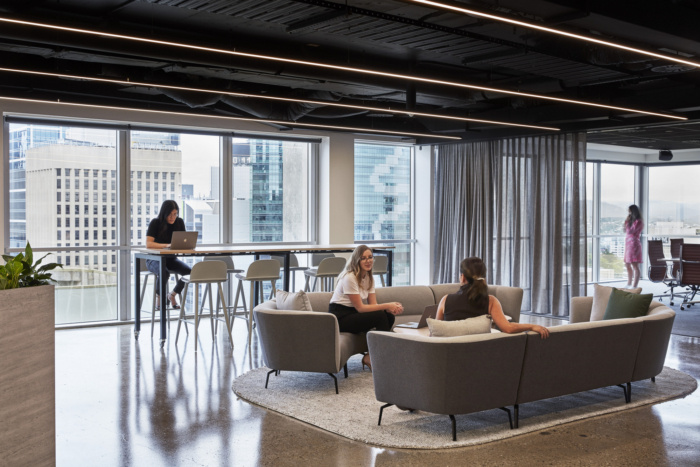 big meeting room contractor Singapore | new office renovations contractor Singapore