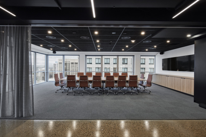 big meeting room contractor Singapore | new office renovations contractor Singapore