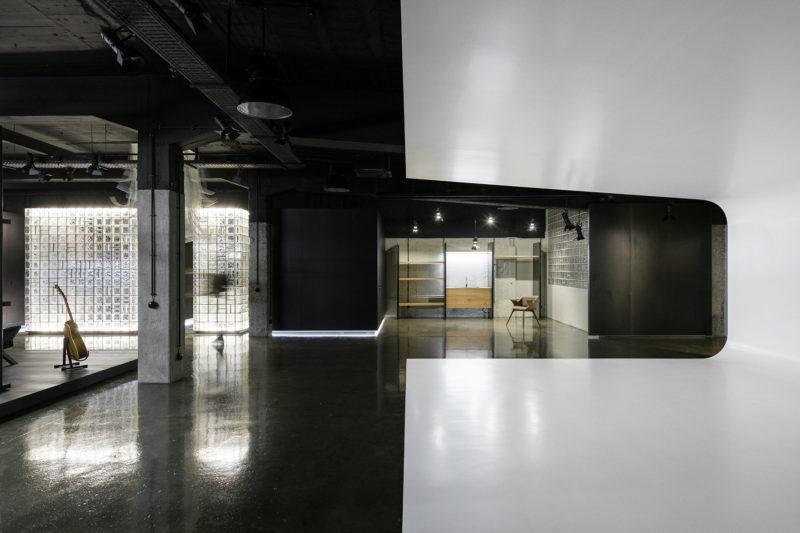A Look Inside Arts Studio 16's Industrial-Style Lisbon Office