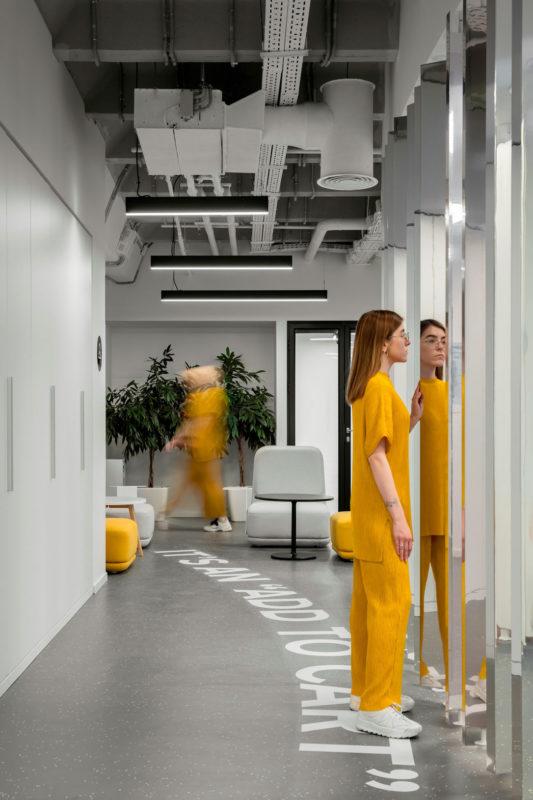 Another Look Inside Lamoda's Minimalist Moscow Office